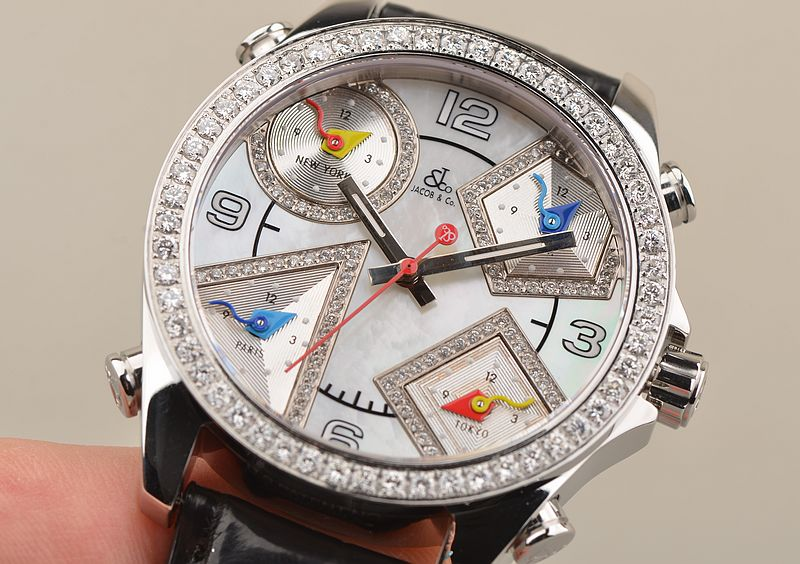 The diamonds paved on the bezel and sub-dials are shiny and enhancing the charm of the model.