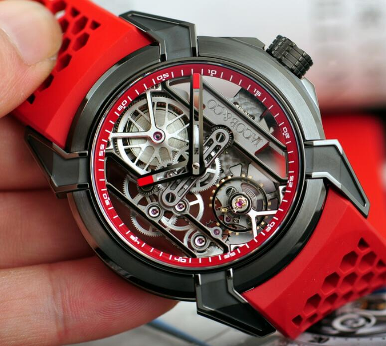 The red rubber strap makes the watch very youthful.